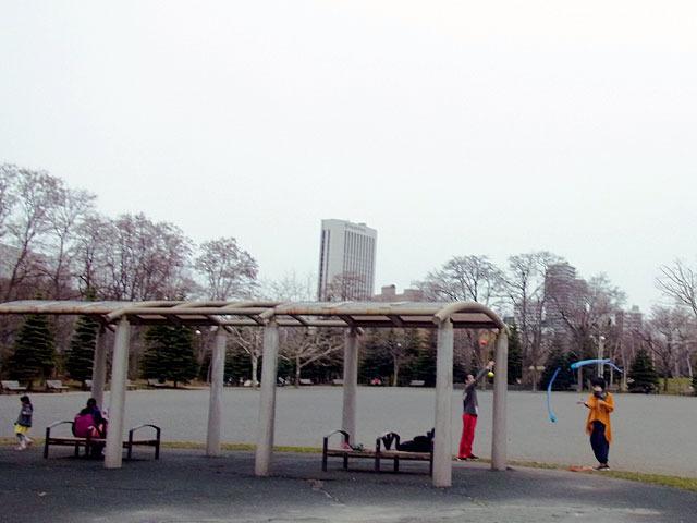180414jiyuhiroba.jpg