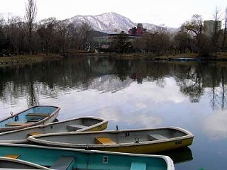 100422boat.jpg